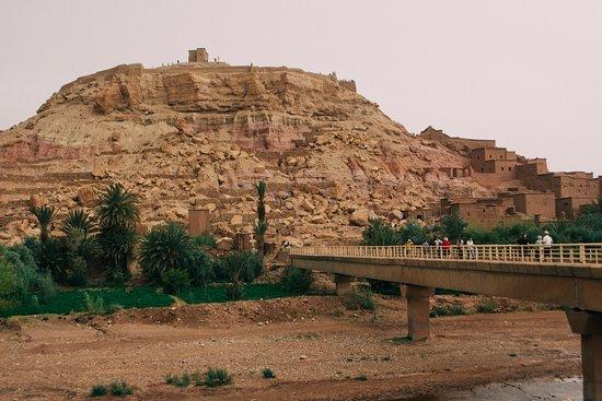 Unesco World Heritage Site Ait Ben Haddou & Ouarzazate Full Day Trip: bridge to old part of ait ben haddou