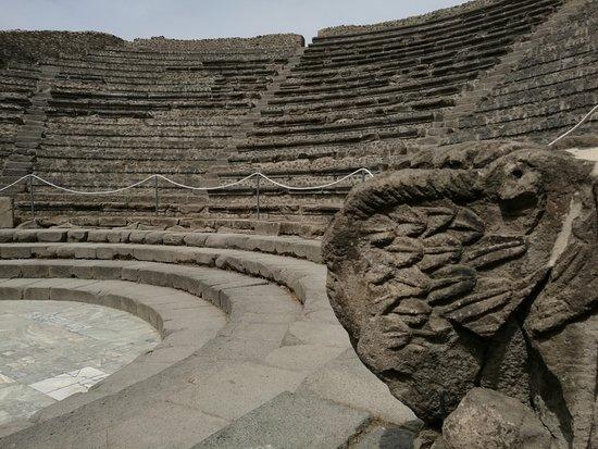 Pompeii Archaeological Park: Su teatro