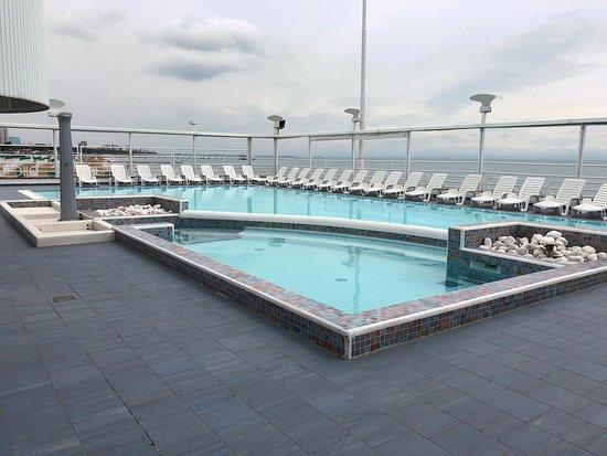Kursaal Club: piscina in terrazza