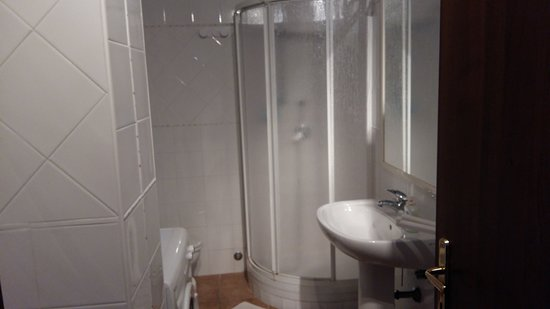 Sonnino, Italia: bagno privato camera 1