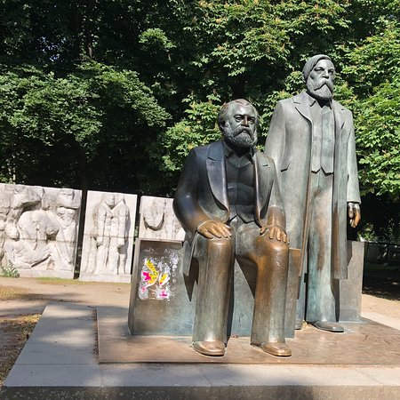 Skulptur Die Wurde und Schonheitfreier Menschen