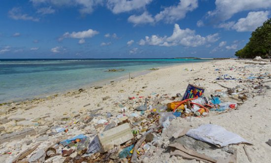 Gulhi Island: Dirty Gulhi beach