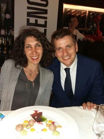 Il Simposio - Restaurant Wine Bar: Il maître Emanuele e la Luna