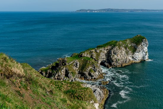 Kinbane Castle: View from path down