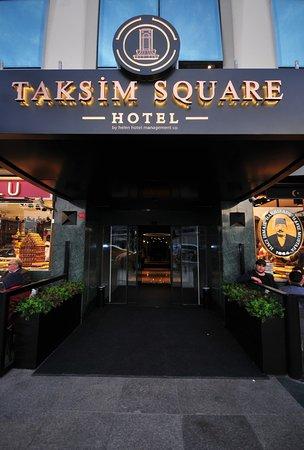 Ottoman Palace Taksim Square Hotel: Taksim Square Hotel Entrance
