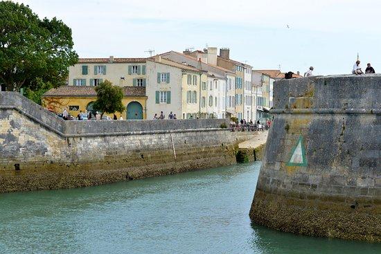 Le Corps De Garde Saint Martin De Re Prancis Ulasan Perbandingan Harga Hotel Tripadvisor