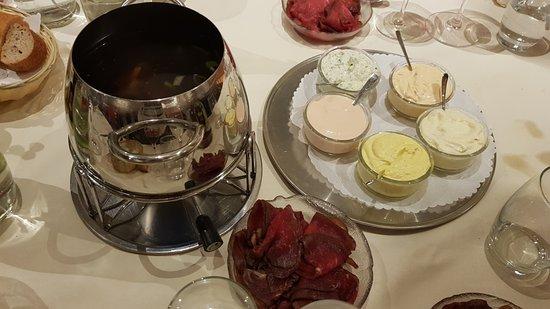 Vetroz, Szwajcaria: Clear soup hotpot