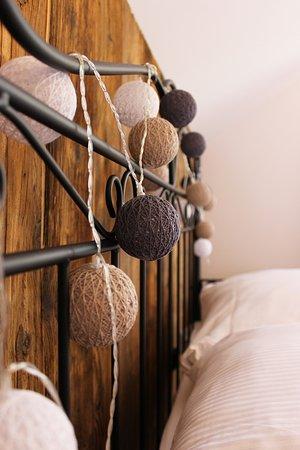 Chata nad Sanem: Apartament drewniany- dekoracje