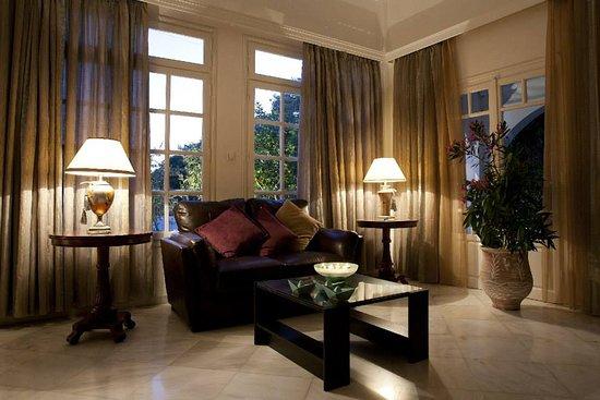Hotel Doukissa: Hotel Lounge