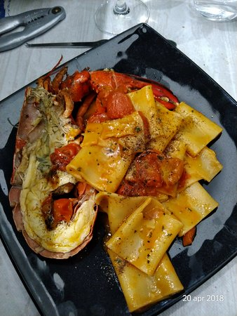 Pescheria Bistrot Fish Corner: Ottimo accompagnato da un buon vino!!