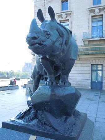 Statue Le Rhinocéros