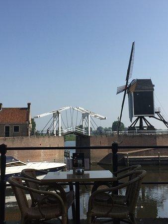 Heusden, เนเธอร์แลนด์: Uitzicht op de haven vanuit Kookstudio Van Dijk