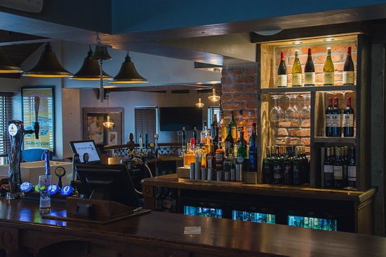 The Railway Inn: Over 100 drinks to choose from