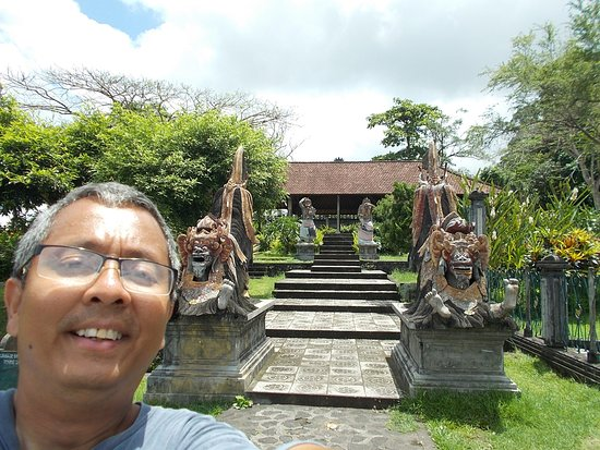 Tirta Gangga: At the bottom of the steps near the back side of the grounds