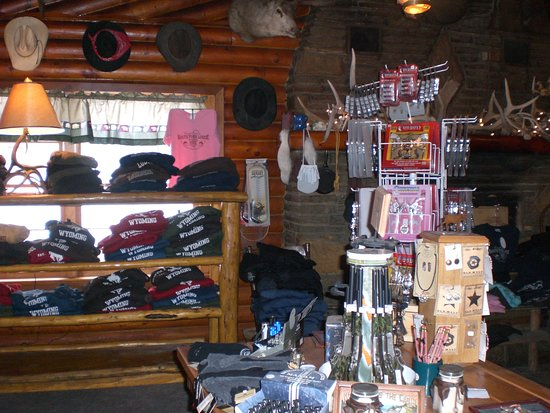 South Fork Mountain Lodge: Gift shop in the lodge!