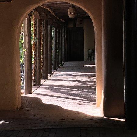 Sagebrush Inn & Suites: photo1.jpg