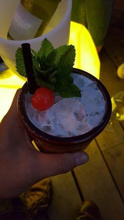 90% ice 10% drink!!!