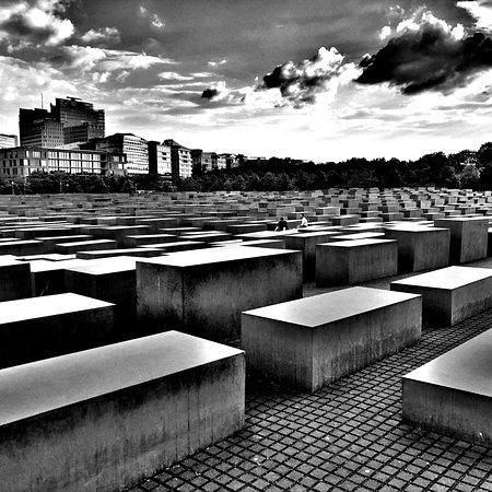 Private Walking Tour with a Local: Berlin in 90 Minutes Resmi