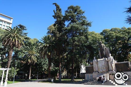 Plaza Italia: monumento principal