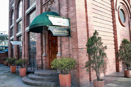 Bistecca e Vino Da Trattoria de la Plaza I Centro Internacional: Entrada