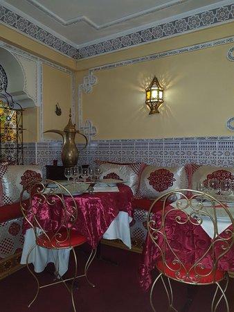 Soisy-sur-Seine, France: L'Olivier du Maroc