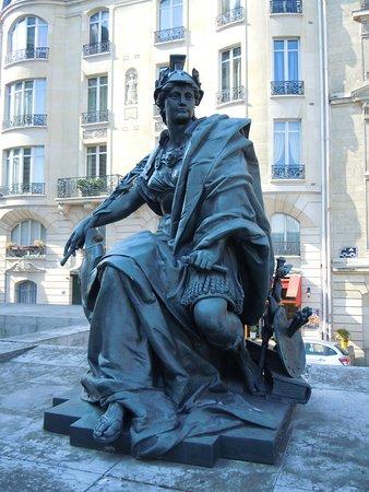 Statue Les Continents-L'Europe
