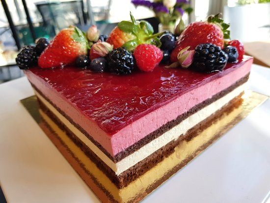 CHATEAU: Gluten and Dairy Free cake