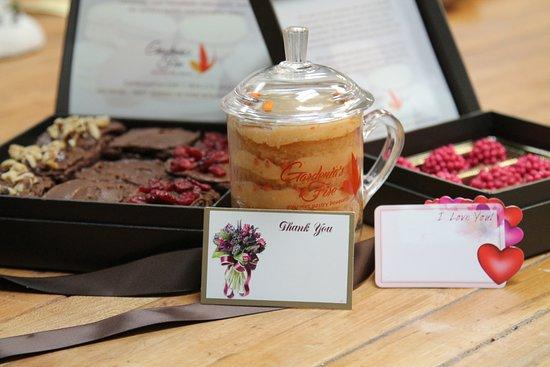 Teaneck, NJ: Gourmet cupcakes and brownies