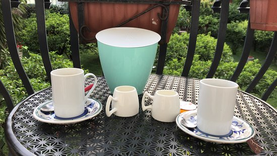 The Bellini House B&B: Morning coffee set on the terrace just outside room