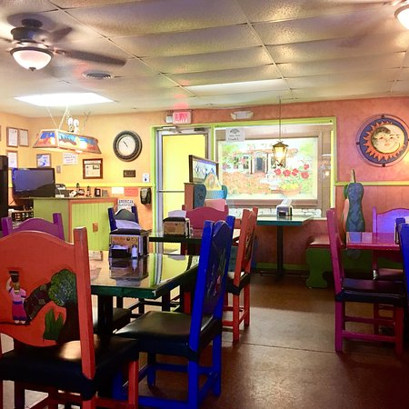 Gurley, AL: Very nice little spot, service was good, they even let us in before they officially opened. Food
