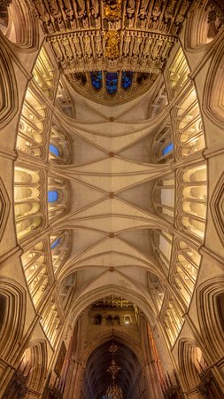 Southwark Cathedral: The chancel roof