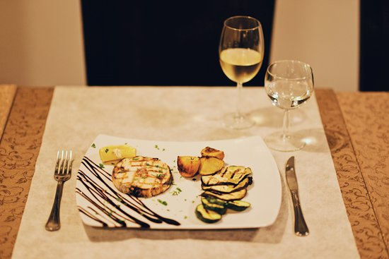 Mes Amis Restaurant & Lounge: Grilled SwordFish
