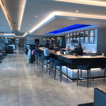 United Club - Global First Lounge: photo0.jpg