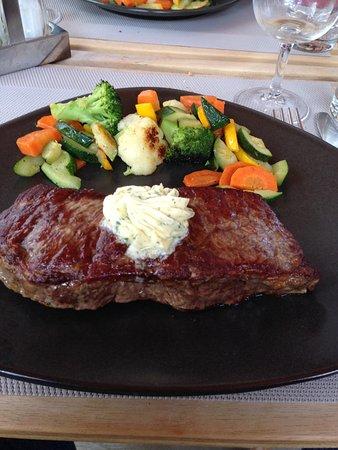 Bruson, Suíça: Entrecôte et légumes