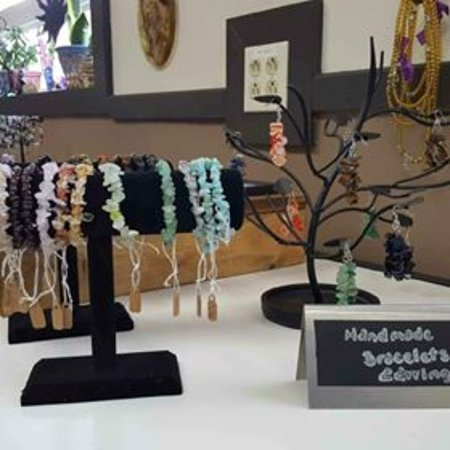 Tree of Life Shoppe: Shop for hand-made items.... We have gemstone jewlery