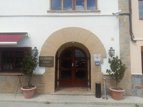 Castellbisbal, Espanha: Entrada restaurant ca l,Esteve