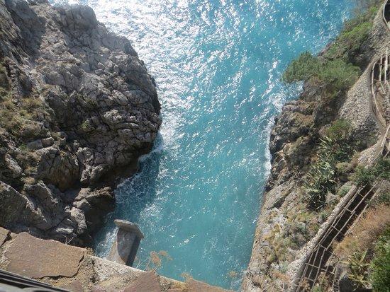 Fiordo di Furore, Italy: Il ponte dall'alto