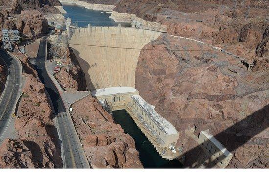 Hoover Dam: Blick von der Brücke