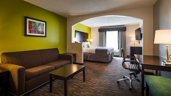 Ladson, SC: Upgrade yourself to our king suites for added comfort during your stay.