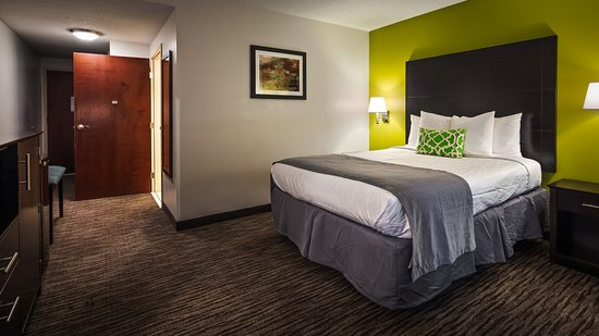 Ladson, SC: Your comfort is our first priority. In our single queens rooms, you will find that and much more
