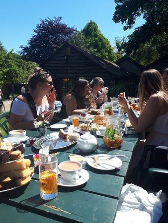 Grantchester, UK: Afternoon tea