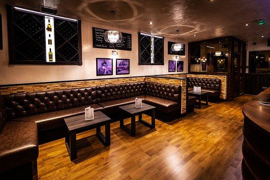 Bar Area - Picture of Julio\'s Italian Restaurant, Halifax - TripAdvisor