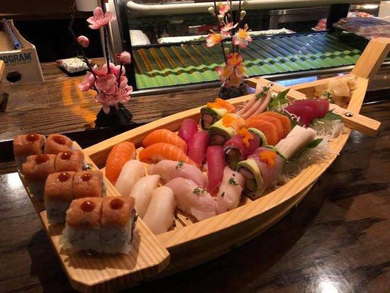 Sakura Japanese Steakhouse: Sakura Love Boat