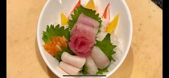 Sakura Japanese Steakhouse: Chirashi Don