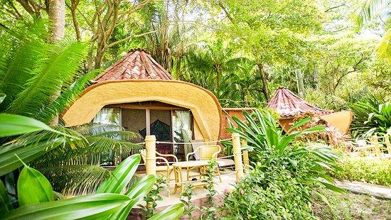 Ylang Ylang Beach Resort: Beach Front Bungalows