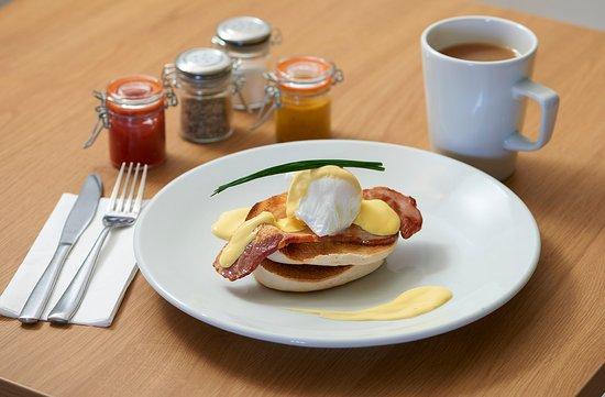 Holwood Farm Coffee Shop: Eggs Benidict