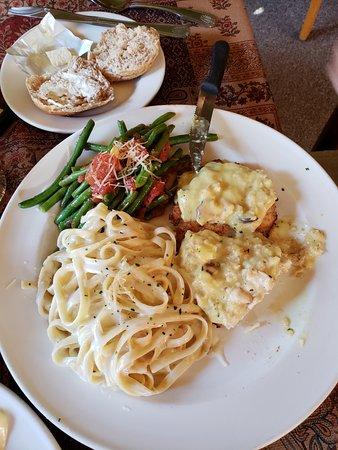 The Alley Cafe: Delicious Chicken Oscar