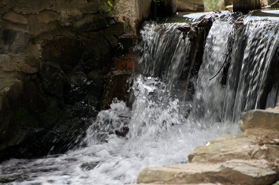 Glen Mills, PA: water fall 3