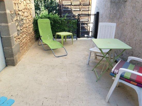 Valojoulx, France: Terrace for studio privee