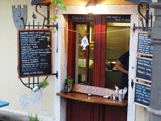 Fritolin pri Cantini: Wenn Deine Tischnummer hängt, ist Dein Essen fertig!!!